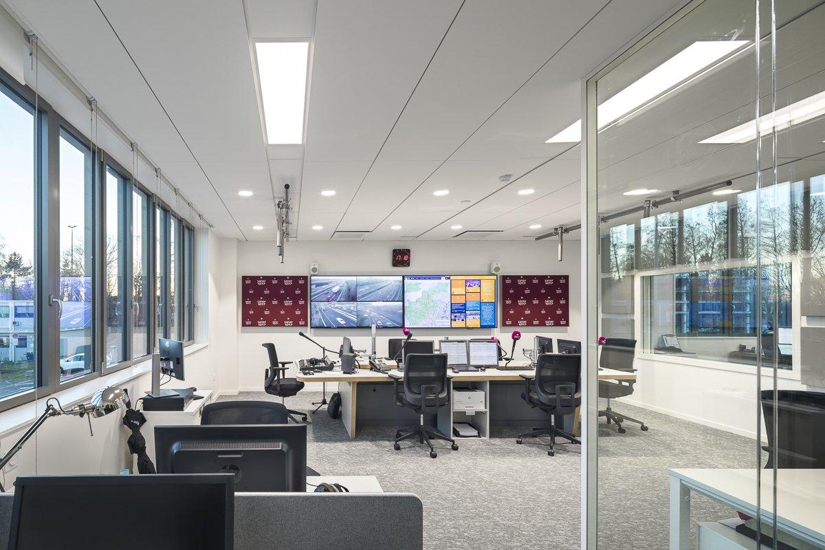 https://www.transform-architecture.com/wp-content/uploads/2020/12/SNL-photo_SG_2021_-_TRANSFORM_-_bureaux_-_senlis_-ECR-B-014.jpg
