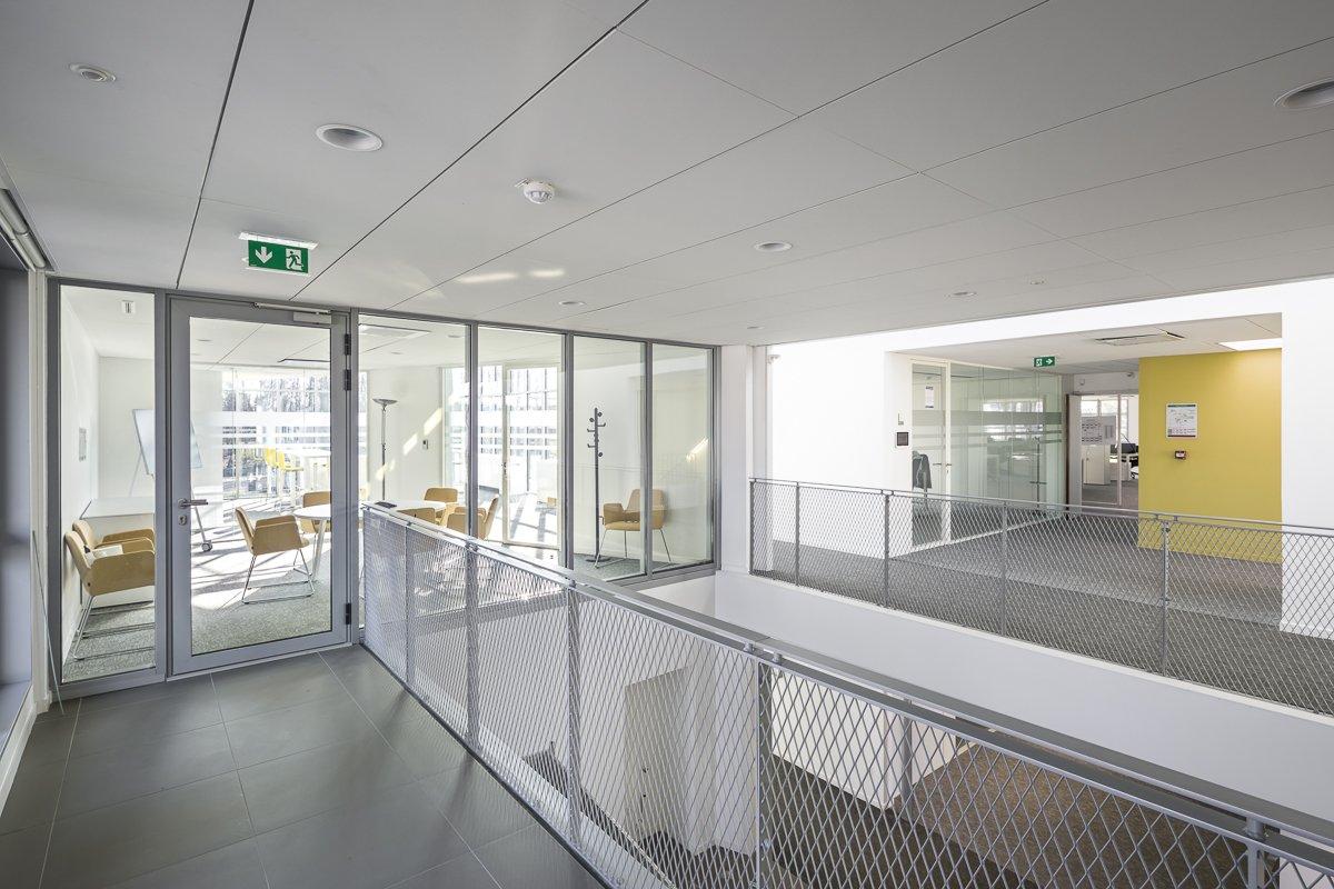 https://www.transform-architecture.com/wp-content/uploads/2020/12/SNL-photo_SG_2021_-_TRANSFORM_-_bureaux_-_senlis_-ECR-B-036.jpg