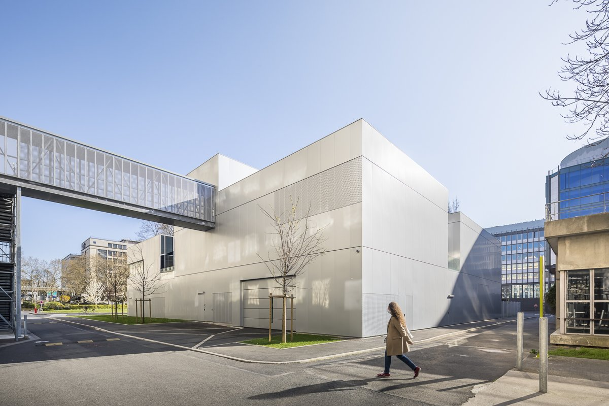 https://www.transform-architecture.com/wp-content/uploads/2020/12/photo_SG_2021_-_ARCELOR_MITTAL_-_campus_jussieu_-_paris_05_-_ECR-B-014.jpg