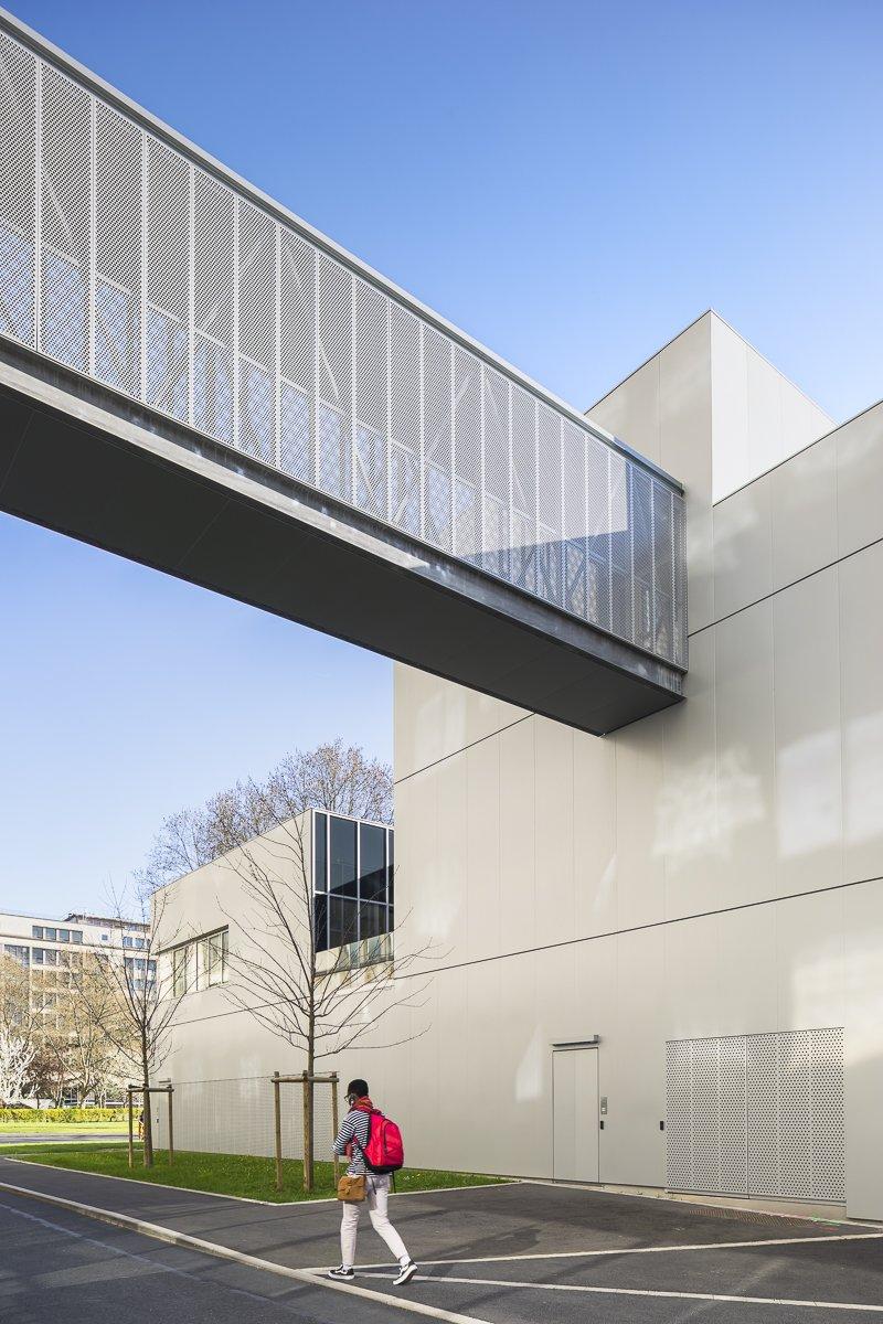 https://www.transform-architecture.com/wp-content/uploads/2020/12/photo_SG_2021_-_ARCELOR_MITTAL_-_campus_jussieu_-_paris_05_-_ECR-B-015.jpg