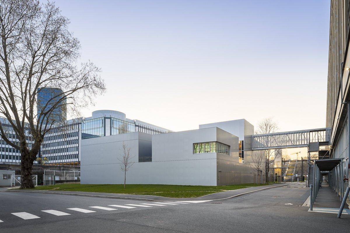 https://www.transform-architecture.com/wp-content/uploads/2020/12/photo_SG_2021_-_ARCELOR_MITTAL_-_campus_jussieu_-_paris_05_-_ECR-B-030.jpg