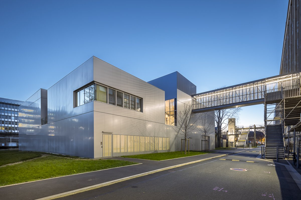 https://www.transform-architecture.com/wp-content/uploads/2020/12/photo_SG_2021_-_ARCELOR_MITTAL_-_campus_jussieu_-_paris_05_-_ECR-B-032.jpg