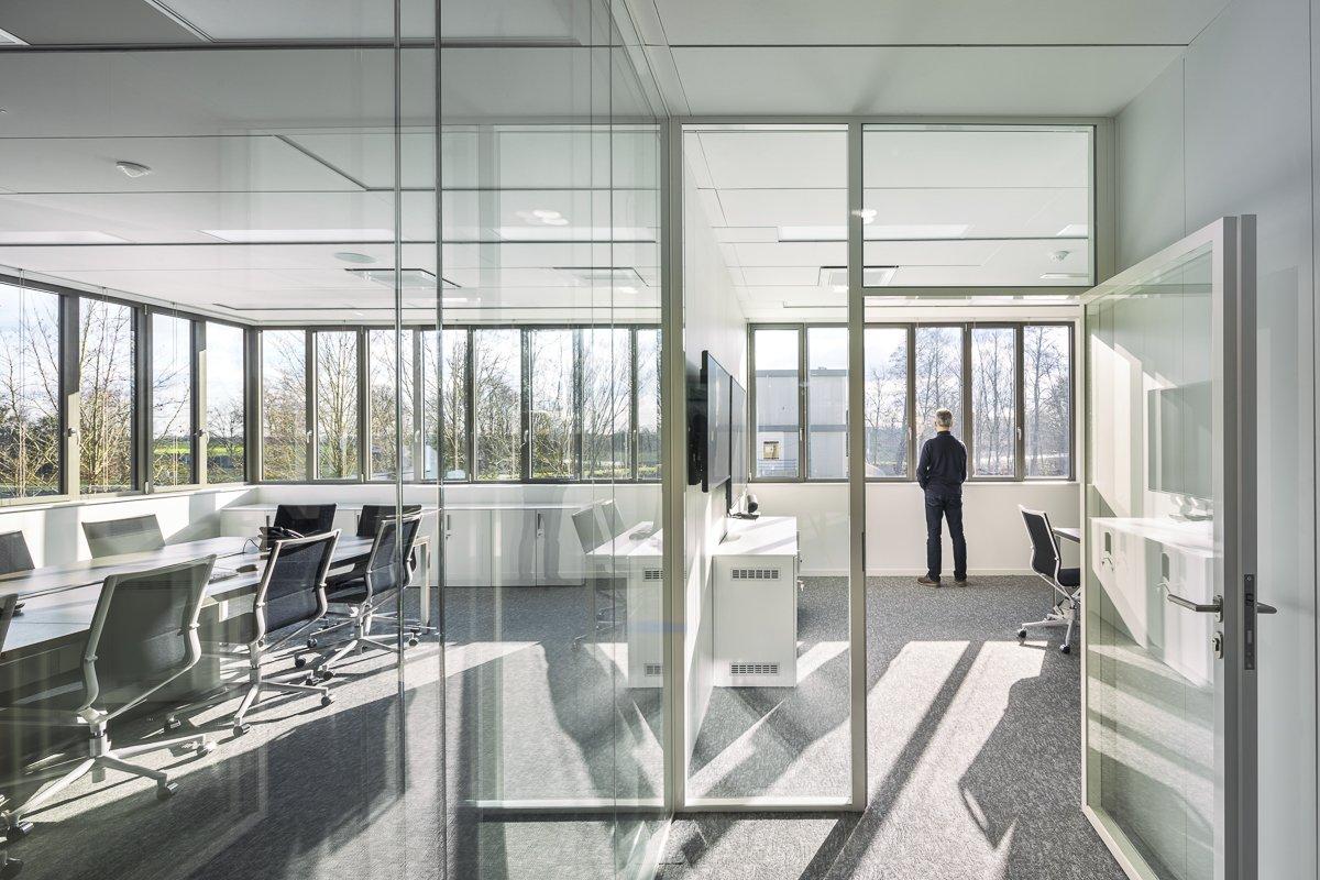 https://www.transform-architecture.com/wp-content/uploads/2020/12/photo_SG_2021_-_TRANSFORM_-_bureaux_-_senlis_-ECR-B-001.jpg