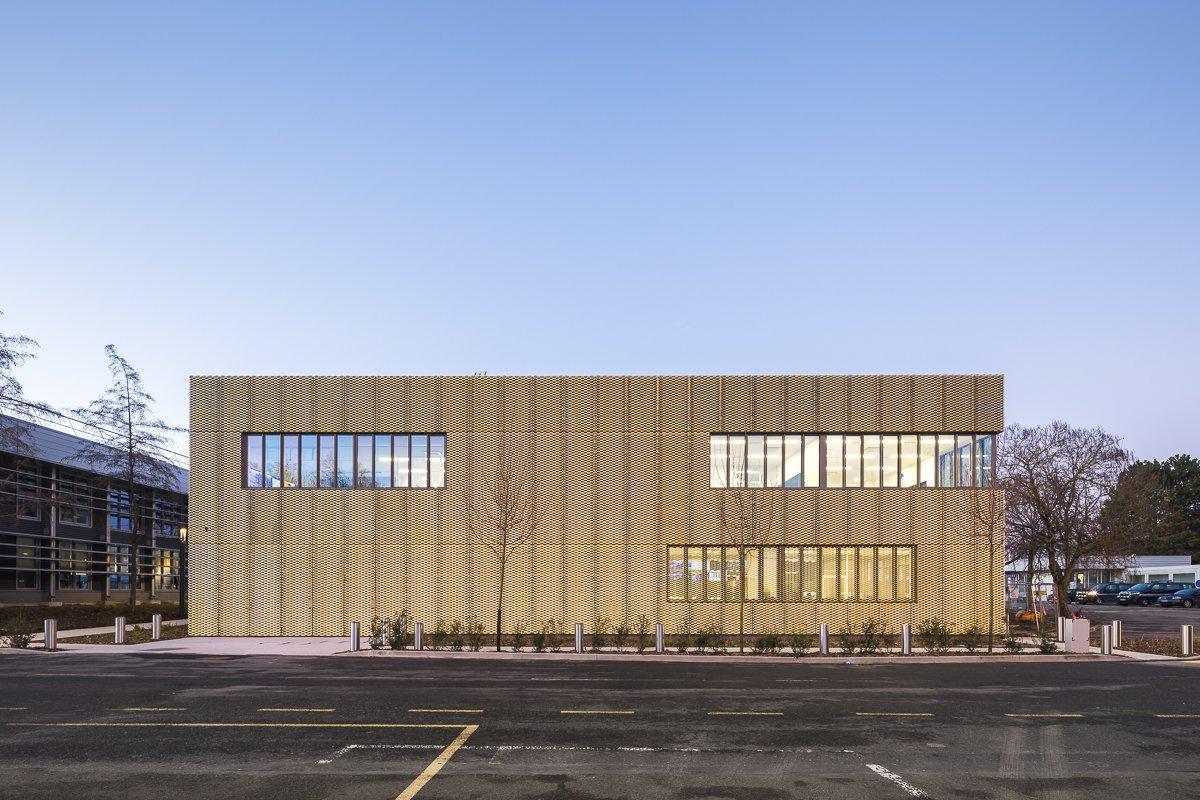 https://www.transform-architecture.com/wp-content/uploads/2020/12/photo_SG_2021_-_TRANSFORM_-_bureaux_-_senlis_-ECR-B-020.jpg
