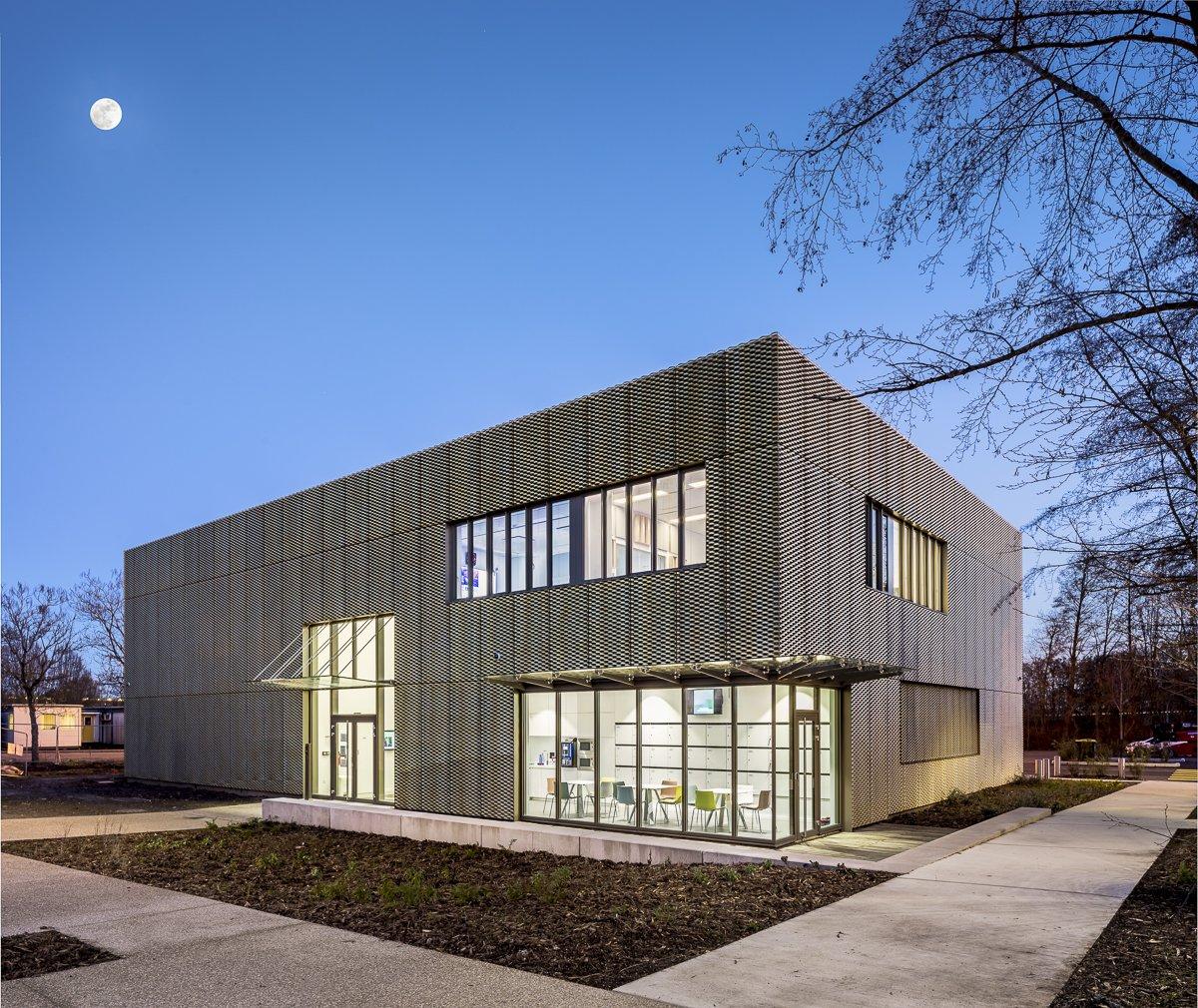 https://www.transform-architecture.com/wp-content/uploads/2020/12/photo_SG_2021_-_TRANSFORM_-_bureaux_-_senlis_-ECR-B-024.jpg